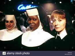 KATHY NAJIMY, Whoopi Goldberg, WENDY MAKKENA, SISTER ACT, 1992 Foto stock -  Alamy