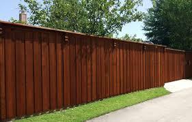 Cedar Wood Privacy Fence Corbels Cap Trim 8 Ft Fence Companies Gate Companies Lifetime Fence Company Frisco Fort Worth Denton Lewisville