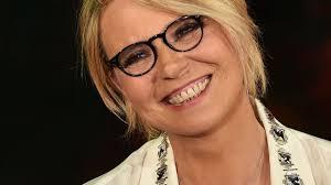 Maria De Filippi a Sanremo 2021 insieme ad Amadeus? La conduttrice ...