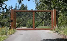 Straight Line Fence Wire And Wood Fence Wood Gate Fence Gate