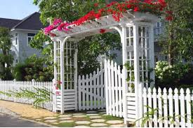 Amazing Garden Fence Decoration Ideas To Beautify Your Garden
