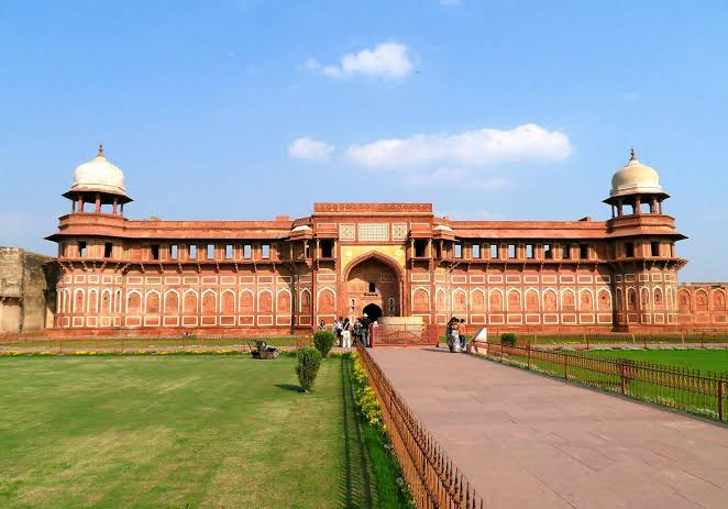 Image result for Hanging Area & Old Palaces of Agra fort""