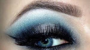 eye makeup for blue or gray eyes