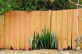 5 Signs That You Need To Replace Your Wooden Fence