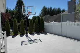 In The Middle You Can See Pro Dunk Diamond Basketball System