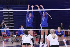 Volleyball team heads into sectional – Red & Blue