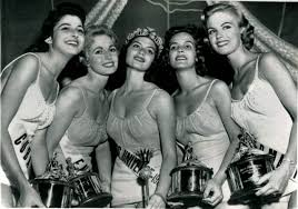1957 Miss Universe: 3rd Runner-up Maria Rosa Gamio Fernández of Cuba; 2nd  Runner-up Sonia Hamilton of England; Miss Universe 1957 Gladys Rosa Zender  Urb…   Universo