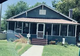 cute little old house turned business
