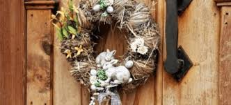 Outdoor Easter Decoration Ideas To Brighten Up Your Fence And Yard