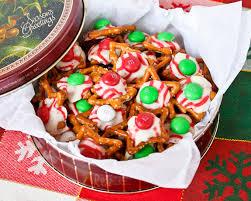 m m hugs and kisses holiday pretzels
