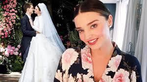 miranda kerr demonstrates her wedding