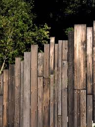5ft Change Enchanting Fence Ideas Panels Setting Up The Garden Fence Correctly If You Want To Re Erect A In 2020 Wood Fence Design Fence Design Modern Fence