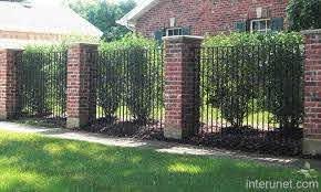 Metal Fence Brick Columns Jpg 640 384 Fence Design Iron Fence Brick Fence