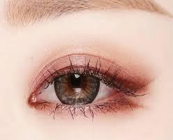 korean eye makeup in 4 steps