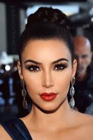 makeup for brown eyes and red dress
