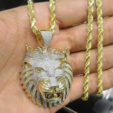 king crown pendant necklace