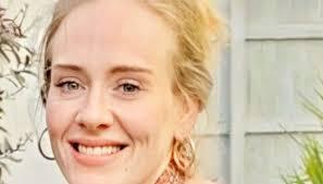 Adele dimagrita 30 kg: le foto in spiaggia mostrano l'incredibile ...