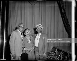 Bob Dews, Janie Smith, and Willie 'The Lion' Smith, backstage at... News  Photo - Getty Images