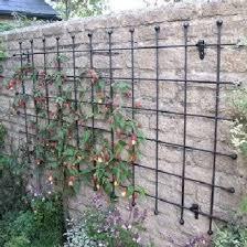 Building A Garden Fence With A 45 Trellis Design Ideas 5 Homezideas