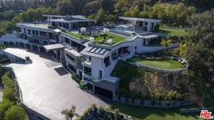 13 mega mansions with 20 000 sq ft