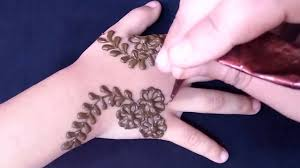little child mehndi design