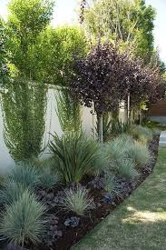 Stunning Privacy Fence Line Landscaping Ideas 72 Rockindeco