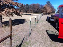 5 Strands Of Barbed Wire Metal H Braces Aaa Burleson Fence
