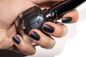 louboutin the noirs nail