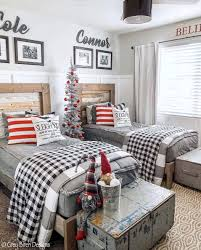 40 Cozy And Wonderful Rustic Farmhouse Christmas Decorating Ideas