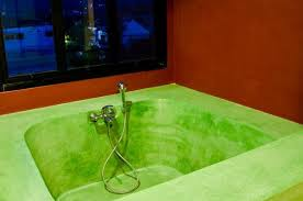 how to remove dye sns from a bathtub