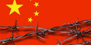 Autoridades chinesas cortam água e luz de bispo para obrigá-lo a abandonar  casa