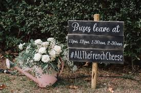 12 thoughtful gestures wedding guests