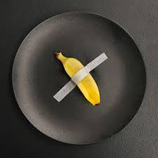 Chef Terry Giacomello realizza piatto ispirato alla banana di Maurizio  Cattelan nel 2020