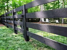 Black Wood Pasture Fence With Black Vinyl Coated 2x4 Welded Wire Diy Garden Fence Backyard Fences Fence Design