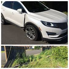 Kent Police A Twitter A Flat Tire Is Bad Blowing Both Front Tires After Plowing Through A Fence In A Stolen Car Then Trying To Run Away Extra Bad Https T Co Dwwjzuuro1
