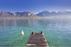 lac d annecy maison pieds dans l eau à