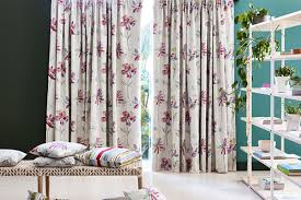 coordinating curtains with wall colours