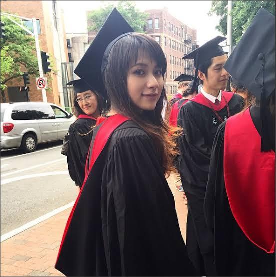 Mengenal Risa Santoso Rektor Termuda Berparas Cantik