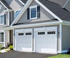 Shaker-Flat XL / Shaker-Flat Long design from Garaga Garage Doors