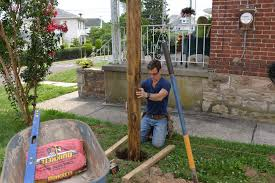 Build A Fence Setting Fence Posts Plumb And Perfect Tools And Tips Myfixituplife