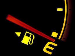 How far you can drive with the gas tank warning light on ...