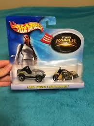 Hot Wheels Tomb Raider The Cradle Of Life Car And Motorcycle Set With Sticker Ebay