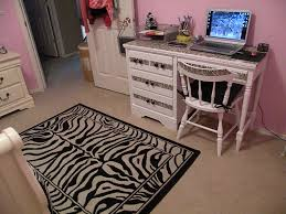 Bridgets Design On A Dime Zebra Bedroom Decor Atmosphere Ideas Bridget Wilson Bridget S Regan Wallpaper Bicycle Moynihan Moynahan Brunette Apppie Org
