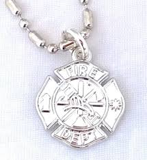 necklace maltese cross pendant