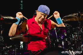 Red Hot Chili Peppers' Chad Smith wows fans by joining local bands