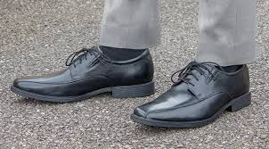 wearing black shoes a style guide for