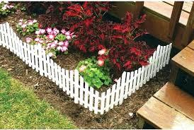 small garden fence ideas en wire