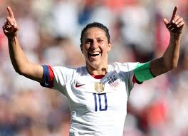 Carli Lloyd threatens to quit USWNT over playing time