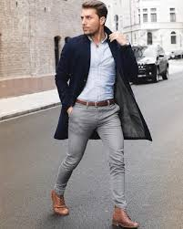 wear grey skinny jeans with brown boots