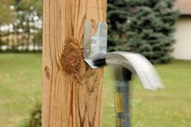Metal Post To Wood Fence Bracket Canada Metal Post Wood Fence Wood Metal Fence Steel Fence Posts Metal Frame Fence Kits Outlasts Wood Fencetrac By Perimtec Fencing Gates The Home Depot Canada